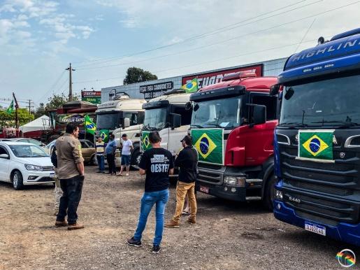 Caminhoneiros anunciam bloqueio do trevo na BR-282 em São Miguel do Oeste