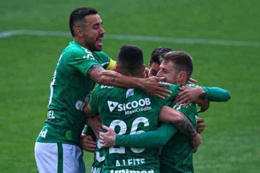 Vídeo: Chape vence mais uma e dispara na liderança da Serie B