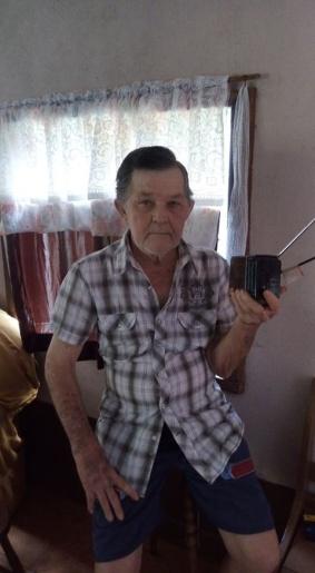Ouvinte acompanha a Rádio Itapiranga ao longo de quase 58 anos