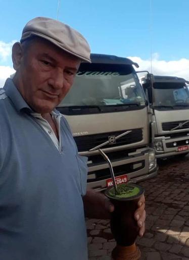 Motorista de Tunápolis morre em colisão frontal entre caminhões no RS