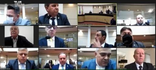 Comissão aprova por unanimidade relatório que pede impeachment de Moisés