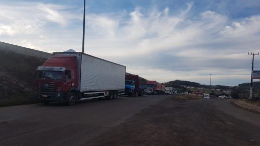 BR 163: trânsito ficou totalmente interrompido por problemas em equipamentos, afirma DNIT