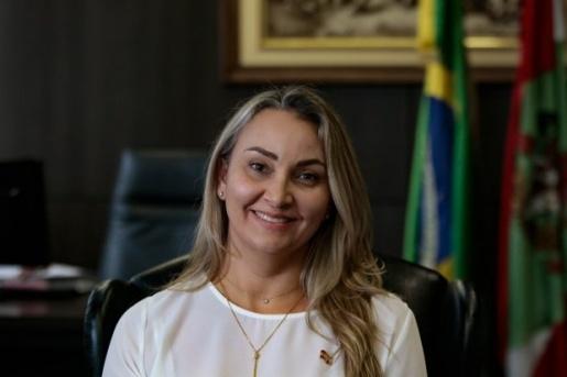 Daniela Reinehr convoca secretariado em primeiro ato como governadora interina