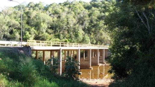 Ponte sobre o Rio Peperi Guaçu segue fechada para turismo entre os países