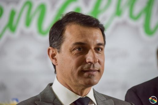 Governador Carlos Moisés é isolado com suspeita de reinfecção por Covid-19