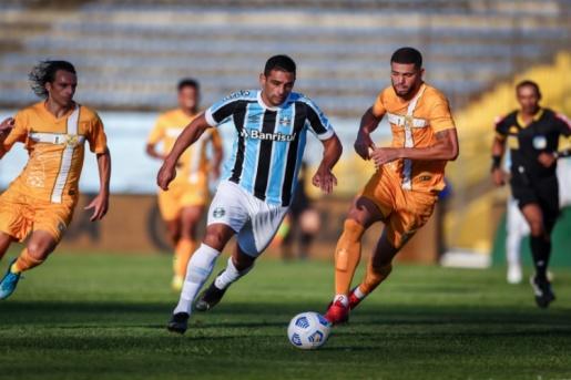 Em jogo fraco Grêmio empata com Brasiliense e está nas oitavas da Copa do Brasil