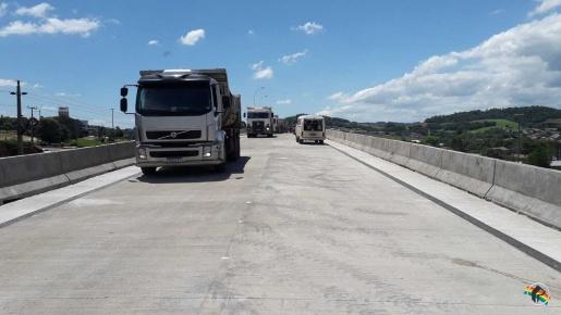VÍDEO: empreiteira antecipa liberação do viaduto para esta sexta-feira