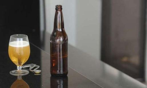 Cerveja a quase R$ 47 por garrafa movimenta Polícia Militar em SMOeste