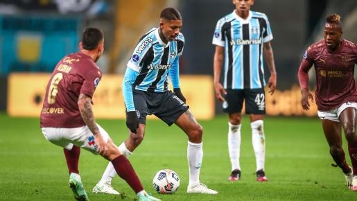 VÍDEO: Grêmio perde de virada e está fora da Sul-Americana