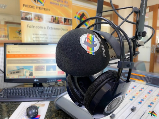 OUÇA: Rádio é uma das principais fontes de informação da população