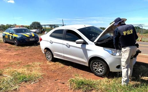 PRF recupera veículo roubado com placas clonadas na BR 163