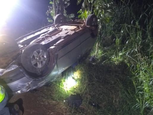 Saída de pista seguida de capotamento mata jovem de 24 anos no interior